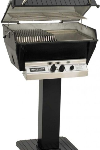 Broilmaster P3-SX Super Premium Propane Gas Grill On Black Patio Post