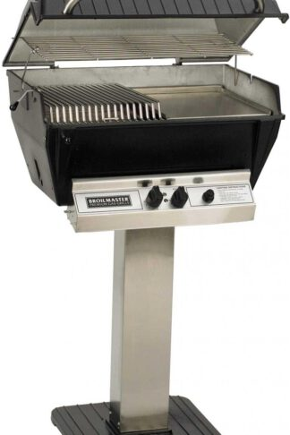 Broilmaster P3-SXN Super Premium Natural Gas Grill On Stainless Steel Patio Post