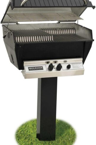 Broilmaster P3-XFN Premium Natural Gas Grill On Black In-Ground Post
